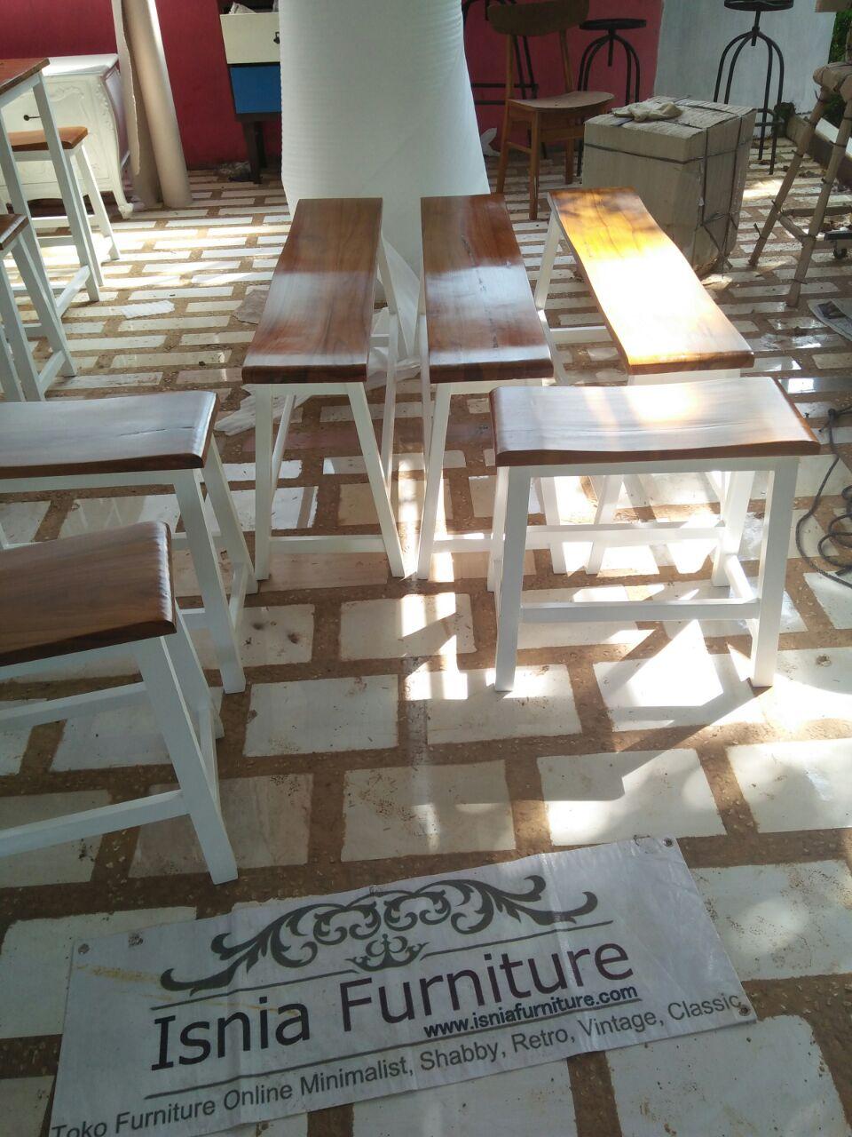 Set-Meja-Kursi-Cafe-Model-Bangku-Ceria Set Meja Kursi Cafe Model Bangku Ceria