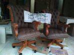 Kursi Kantor Direktur Bandung Putar Kayu Jati