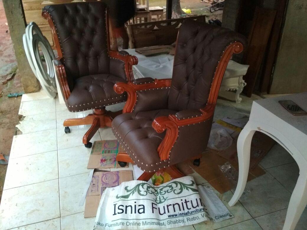 jual-kursi-kantor-murah-putar-bandung Kursi Kantor Direktur Bandung Putar Kayu Jati