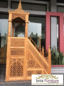 Mimbar Kayu Masjid Megah Dengan Ukiran Mewah