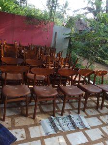 Kursi Cafe Surabaya Model Minimalis Dengan Jok