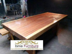 Meja Kayu Besar Untuk Makan Bahan Trembesi Utuh